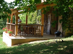 For a quieter option try one of two family friendly holiday homes in their own three acres of grounds.