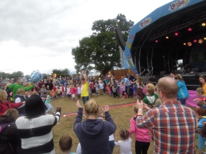 Alex Winters of Cbeebies doing the Hokey Cokey!