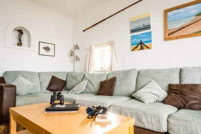 Sitting-room-at-Beach-Cottage-e1408294232631