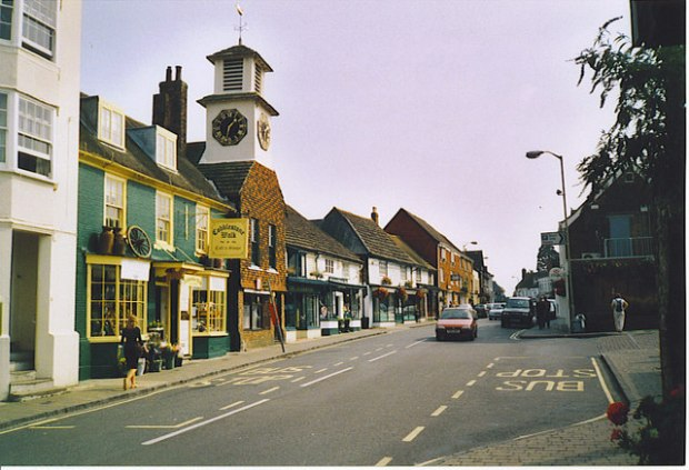 steyning_high_street_looking_south-east-_-_geograph-org-uk_-_175394